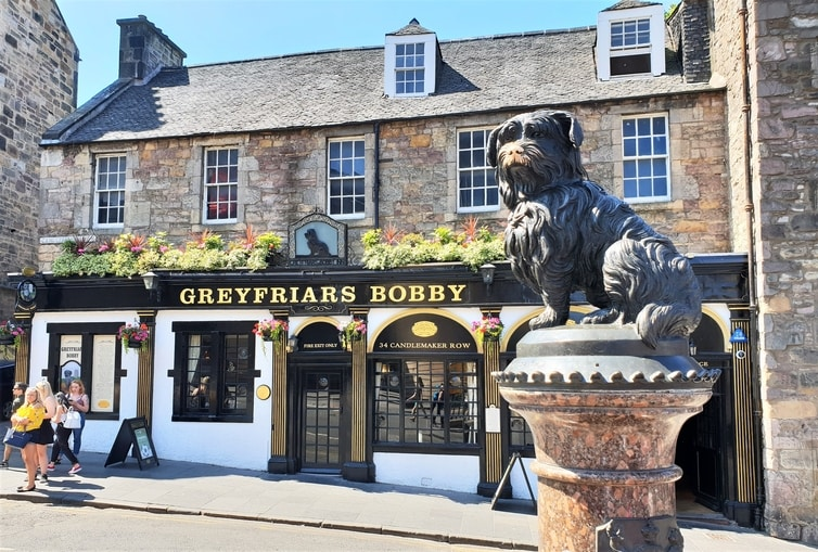 How To Spend 24 Hours in Edinburgh, Scotland Greyfriars Bobby
