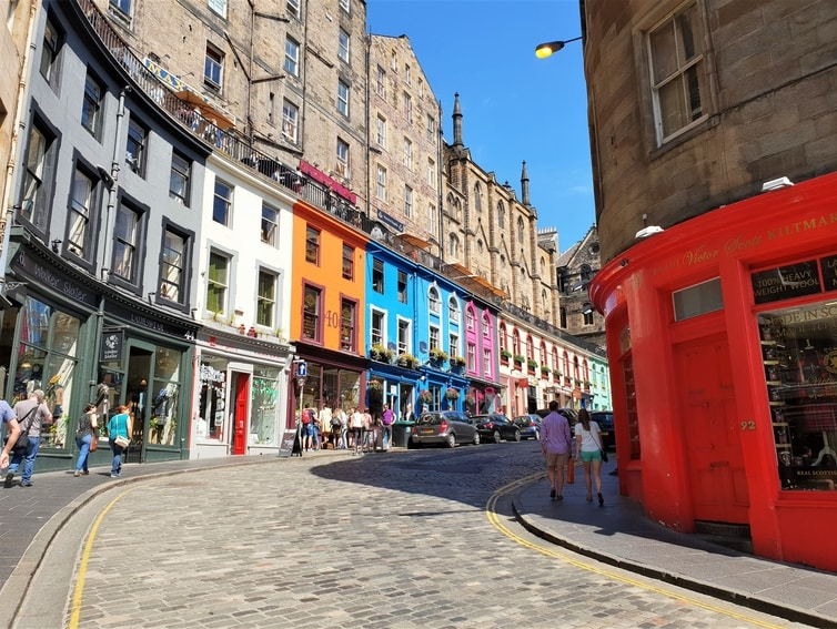 How To Spend 24 Hours in Edinburgh, Scotland W Bow Street