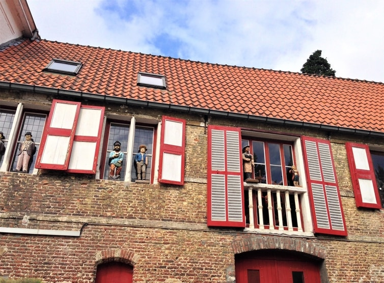 Fountain of Travel One Day in Bruges Itinerary House Facade
