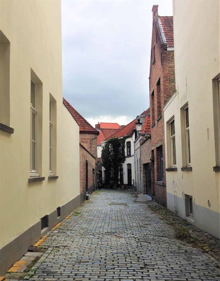 Fountain of Travel One Day in Bruges Itinerary Sint Anna Quarter Street